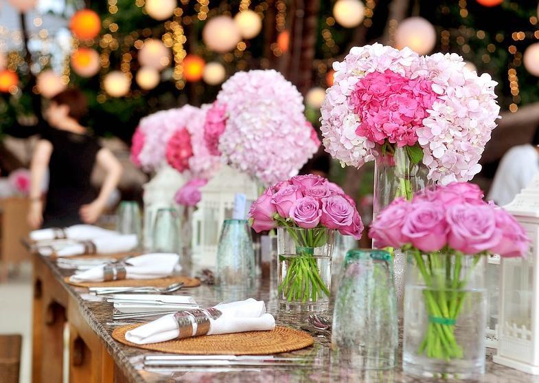 holiday floral arrangements
